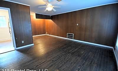 Bedroom, 916 S Trenton St, 1
