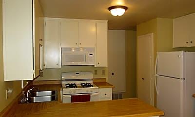 Kitchen, 134 Fontana Ave, 1