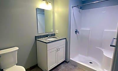 Bathroom, 16 Cutts Ave, 2