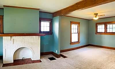 Bedroom, 340 Fernwood, 1