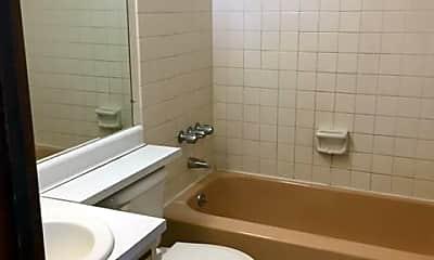 Bathroom, 2064 Oxford Ave, 2