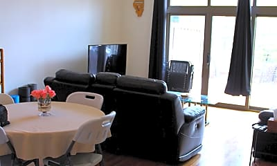 Dining Room, 3505 S Morgan St 216, 1