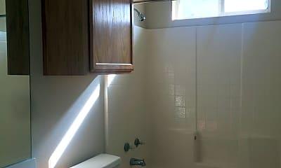 Bathroom, 3000 Clydesdale Way, 2