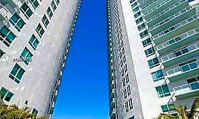 Building, 1900 N Bayshore Dr 2305, 1