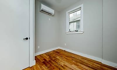 Bathroom, 566 Maple St, 1