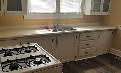 Kitchen, 2013 E Oak St, 1