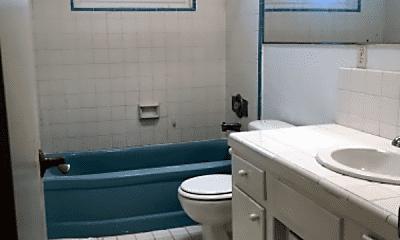 Bathroom, 964 W Olive St, 2