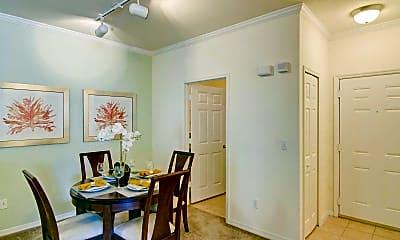 Dining Room, Legacy At Crystal Lake, 2