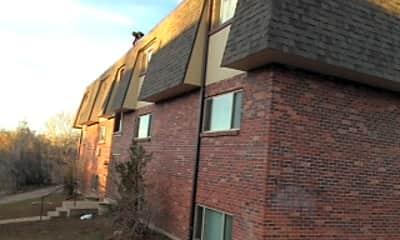 Building, 791 W Prentice Ave, 1
