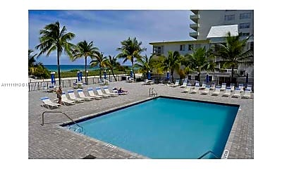 Pool, 9273 Collins Ave 408, 2