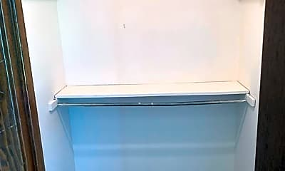 Bathroom, 2720 Kristal Dr, 1