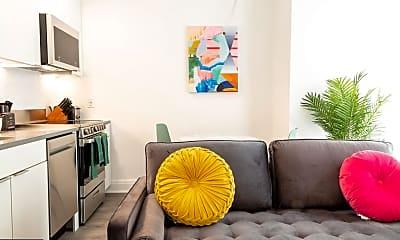 Living Room, 600 4th St SW, 1
