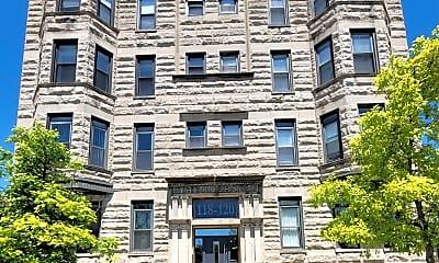 Building, 118 E 45th St 202, 2