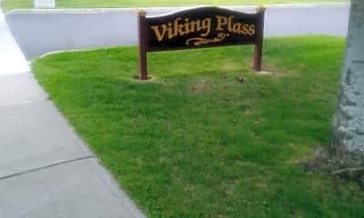 Viking Plass, 1