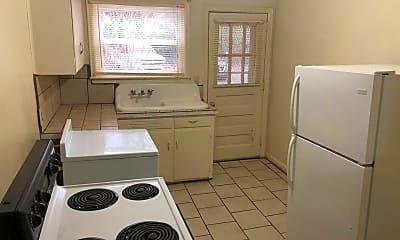 Kitchen, 1419 Marguerite Ave, 2