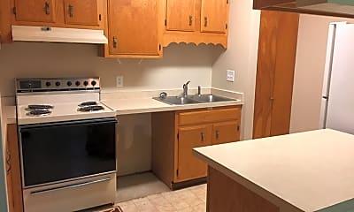 Kitchen, 902 Northwood Dr, 2