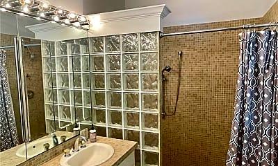 Bathroom, 419 N Lakeside Dr, 2