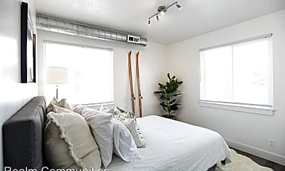 Bedroom, 2740 S Richmond St, 1