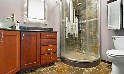 Bathroom, 921 Chartres St, 2