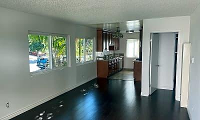 Living Room, 519 N Hayworth Ave, 1