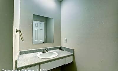 Bathroom, 515 Alameda St, 2