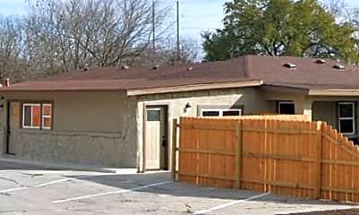 Building, 118 Esmeralda Dr, 1