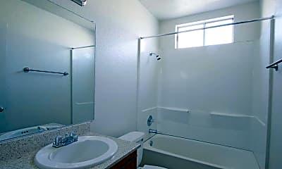 Bathroom, Sund Apartments, 2
