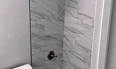 Bathroom, 2253 Collyer St, 1