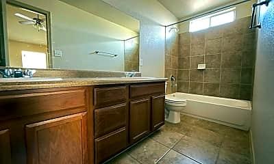 Bathroom, 4001 Hueco Ave, 2