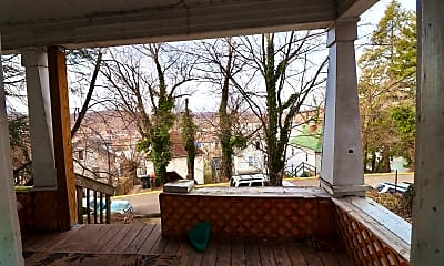 Patio / Deck, 512 Pearl Ave, 2