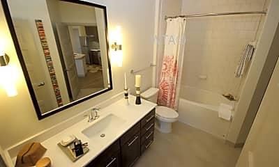 Bathroom, 633 S St Marys, 1