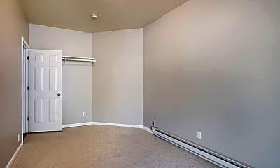 Bedroom, 548 Livingston Ave NE, 2
