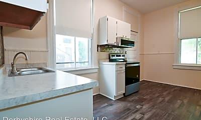 Kitchen, 513 Victoria Ave, 1