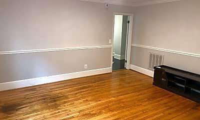 Living Room, 624 W 1st St, 1