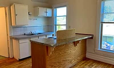 Kitchen, 828 W Cleveland Ave, 1