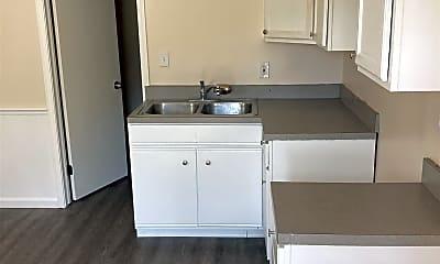 Kitchen, 2921 Saginaw St, 1