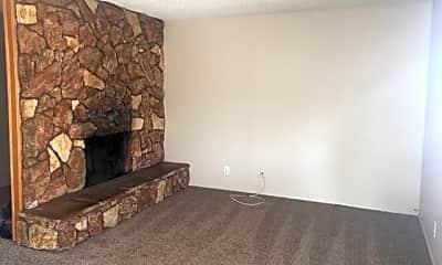 Living Room, 2122 E Amanda St, 1