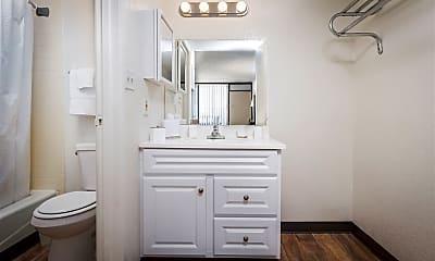 Bathroom, 701 E 7th St, 2