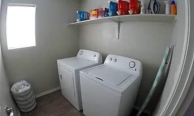 Bathroom, 6676 Boulder Canyon Ln, 2