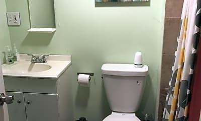 Bathroom, 222 4th St, 2
