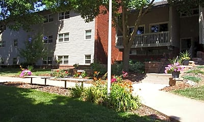 Country Club Heights, 1
