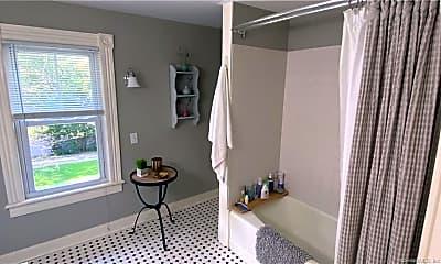 Bathroom, 80 West Ave 2, 2