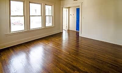 Living Room, 329 Thomaston Ave, 1