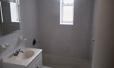 Bathroom, 130 Pelham Rd, 2