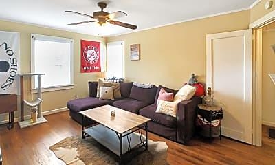 Living Room, 319 18th St E, 1