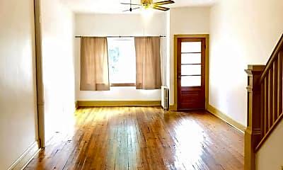 Living Room, 3212 E Fairmount Ave, 1