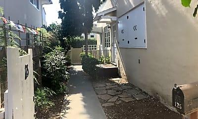125 W Los Olivos St, 1