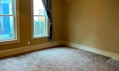 Living Room, 824 18 1/2 Ave NE, 1