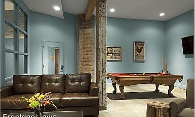 Living Room, 427 Pershing Ave. Market Lofts, 2