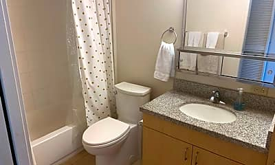 Bathroom, 1315 Kalakaua Ave, 1